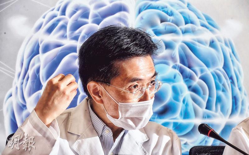 浸大化學系教授黃文成稱,阿茲海默症佔所有認知障礙症個案約六至七成,希望透過開發出一種多用途和敏感度高的磁力共振掃描顯影劑,助未來診斷該症,甚至作恆常普查。(劉焌陶攝)