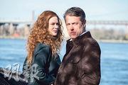妮歌潔曼(左)自言跟曉格蘭特(右)認識多年,在《無所作為》才首次合作。兩人飾演表面恩愛幸福的夫妻,但太太根本對老公一無所知。
