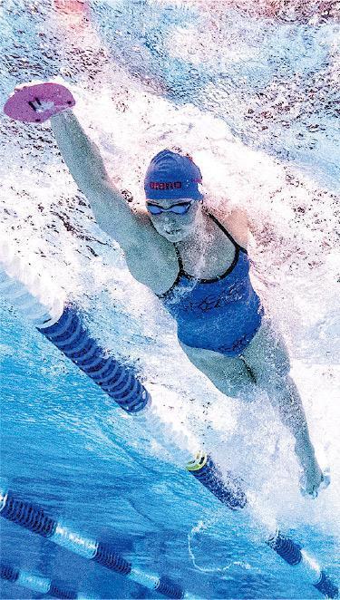 何詩蓓(圖)昨晨再刷新女子100米自自泳亞洲紀錄,躍升史上第六快女飛魚。(相片由ISL賽會提供)