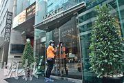 政府7月時曾租用觀塘帝盛酒店部分房間供從印度返港者檢疫。該酒店發言人稱近日大量留學生返港,入住率達八成,現階段無意成為政府指定檢疫酒店。(朱安妮攝)