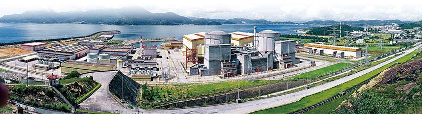 香港輸入核電主要由與香港東北部海岸相距約24公里、與尖沙嘴相距約50公里的大亞灣核電站(圖)供應。核電站於2014年至2023年間輸出佔總發電量約80%的電力到香港。