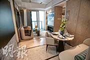 MONACO一期昨首度開放以2B座28樓B室為藍本的示範單位,由2房改為1房間隔,將連室內裝置、裝修及家具等出售。(楊柏賢攝)