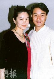 林青霞(左)表示要想想怎麼寫張國榮。(資料圖片)