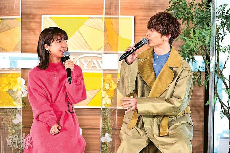 上白石萌音(左)與玉森裕太(右)新劇合作愉快。