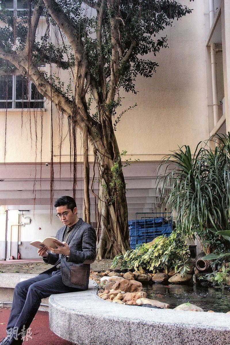 雷國威認為閱讀是增進語文水平的不二法門,愛寫詩的他認為看詩也能培養語感。