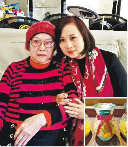 譚淑瑩(右)與李香琴(左)親如母女,她為李香琴點佛燈(小圖),祈願對方早登極樂。(網上圖片)