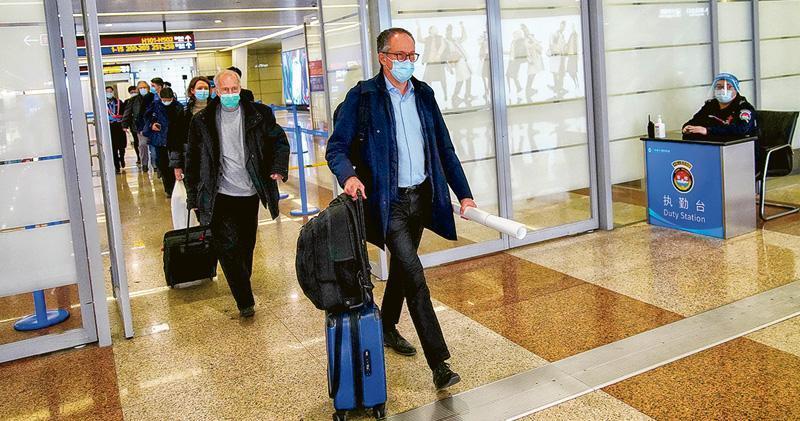專家組成員上周三離開中國。(路透社)