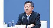 國新辦昨在北京舉行吹風會,國務院研究室黨組成員孫國君(圖)透露,今年政府工作報告共有81處補充、修改。(中新社)