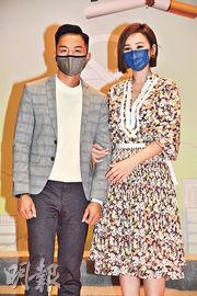 胡諾言(左)與高海寧(右)昨日出席無煙社區計劃活動。(攝影:劉永銳)