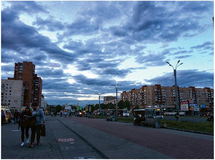 約晚上11時的聖彼得堡,看來就像是黃昏的樣子呢!(受訪者提供)