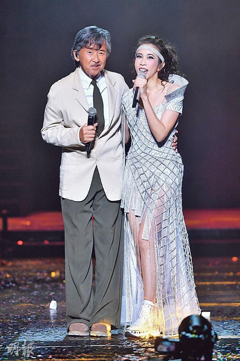 莫文蔚(右)演唱會第2場,林子祥(左)擔任嘉賓,兩人合唱了多首歌曲。